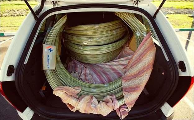 Перевезока композитной арматуры в кузове легкового автомобиля.