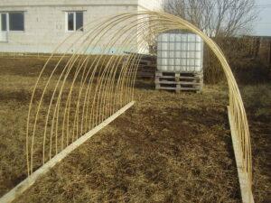 Использование композитной арматуры на даче